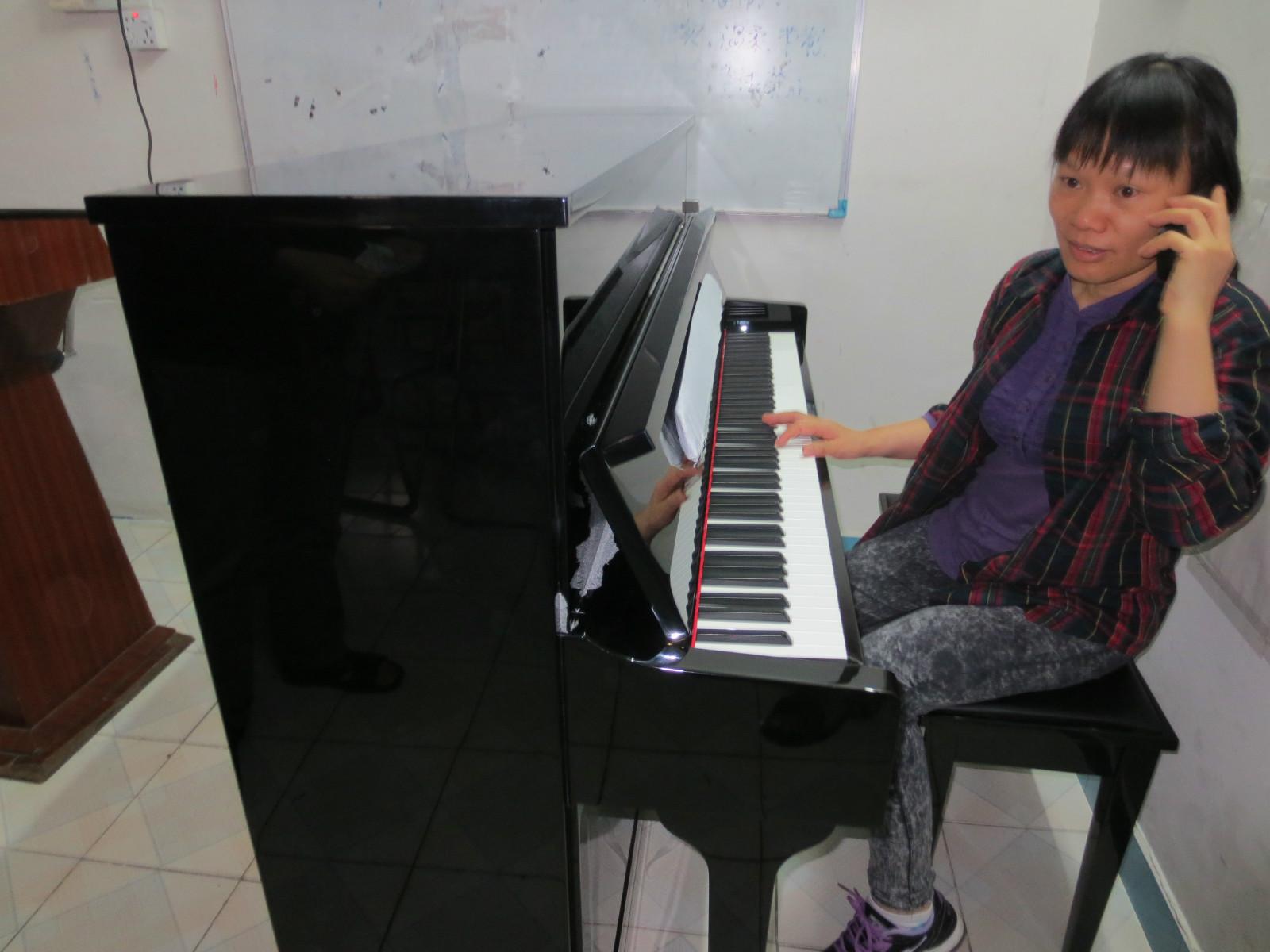 成功为常平基督教堂搬钢琴上三楼|常平搬家公司|东莞市安顺搬家公司